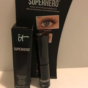Superhero volumizing mascara by IT cosmetics